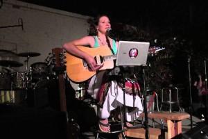 Live music with Rana Tucker